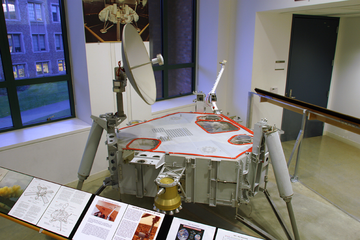 Lander-display-photo-page_image001.jpg
